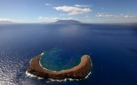 Molokini Crater wallpaper 1920x1200 jpg