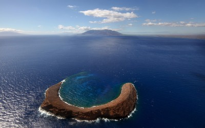 Molokini Crater wallpaper