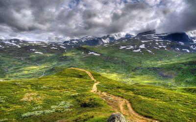 Mountain pass wallpaper