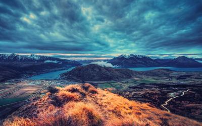 Mountain valley landscape Wallpaper