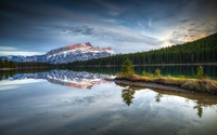 Perfect nature image in a lake in Banff National Park wallpaper 1920x1200 jpg