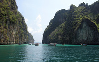 Phi Phi Islands wallpaper 2560x1600 jpg