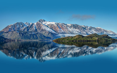 Pyramid Lake, New Zealand wallpaper