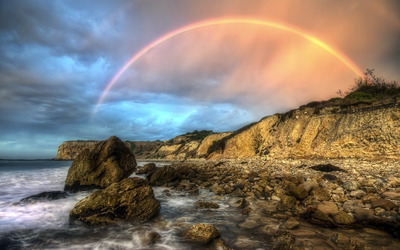 Rainbow on the coastline wallpaper