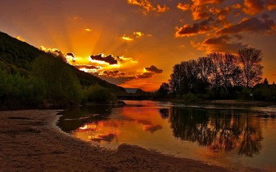 River bank sunset wallpaper