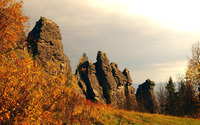 Rocky cliffs on the autumn hill wallpaper 3840x2160 jpg