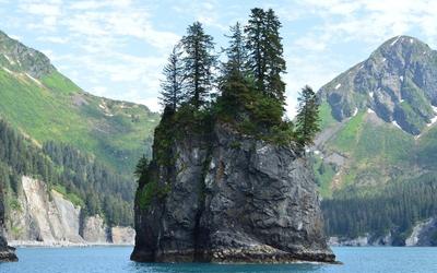 Rocky island in Kenai Fjords National Park wallpaper