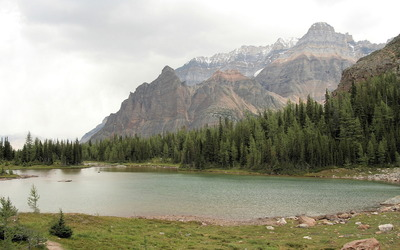 Rocky mountains by the lake wallpaper