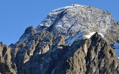 Rocky peak wallpaper