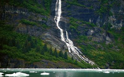 Rocky waterfall [2] Wallpaper