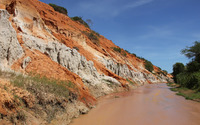 Rusty hills on the river side wallpaper 3840x2160 jpg