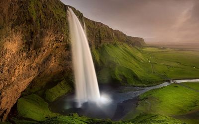 Seljalandsfoss waterfall wallpaper