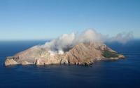 Small volcano in the ocean wallpaper 2880x1800 jpg