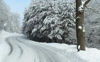 Snowed road wallpaper