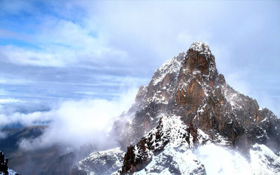 Snowy mountain Wallpaper