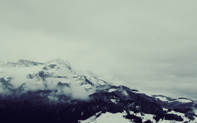 Snowy mountain top [4] wallpaper