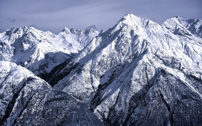 Snowy rocky mountains wallpaper