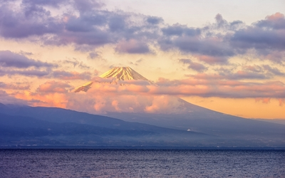 Sunrise over Mount Fuji wallpaper