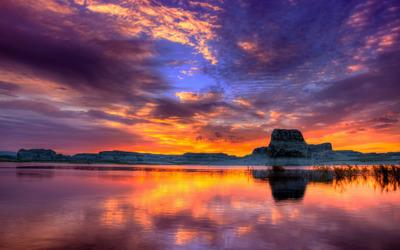 Sunset at the lake wallpaper