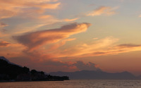 Sunset fluffy clouds over the water wallpaper 3840x2160 jpg