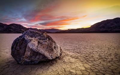 Sunset over the barren land wallpaper