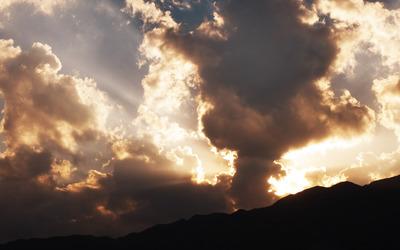 Superb clouds Wallpaper