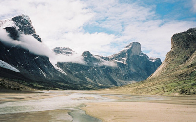 Valley in Auyuittuq National Park of Canada wallpaper