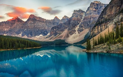 Valley of the Ten Peaks at Moraine Lake wallpaper