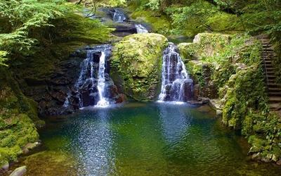 Waterfall on rocky river [2] wallpaper