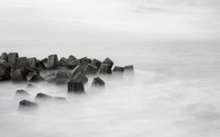 Waves over the breakwater wallpaper 3840x2160 jpg