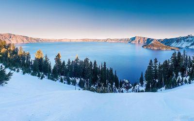 Winter at the Crater Lake, Oregon wallpaper