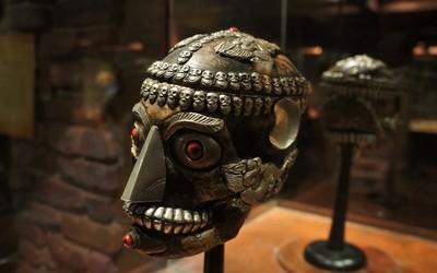 Ancient mask wallpaper