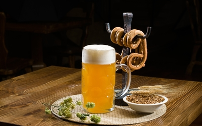 Beer and pretzels [2] wallpaper