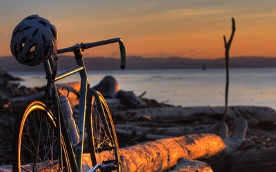 Bicycle in the sunset wallpaper