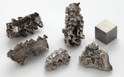 Bismuth crystals wallpaper