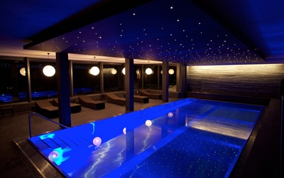 Blue lights in the pool wallpaper