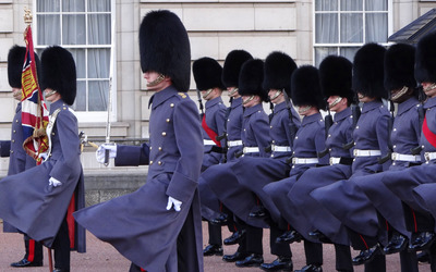 Buckingham Palace guards Wallpaper