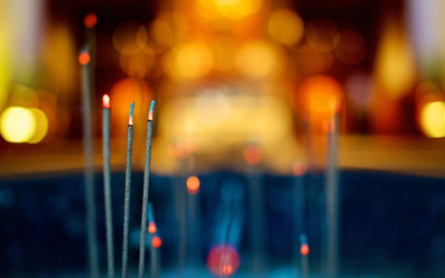 Burning incense sticks wallpaper