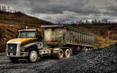 Caterpillar truck wallpaper