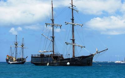 Cayman Valhalla boat wallpaper