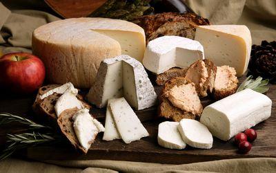 Cheese tray wallpaper