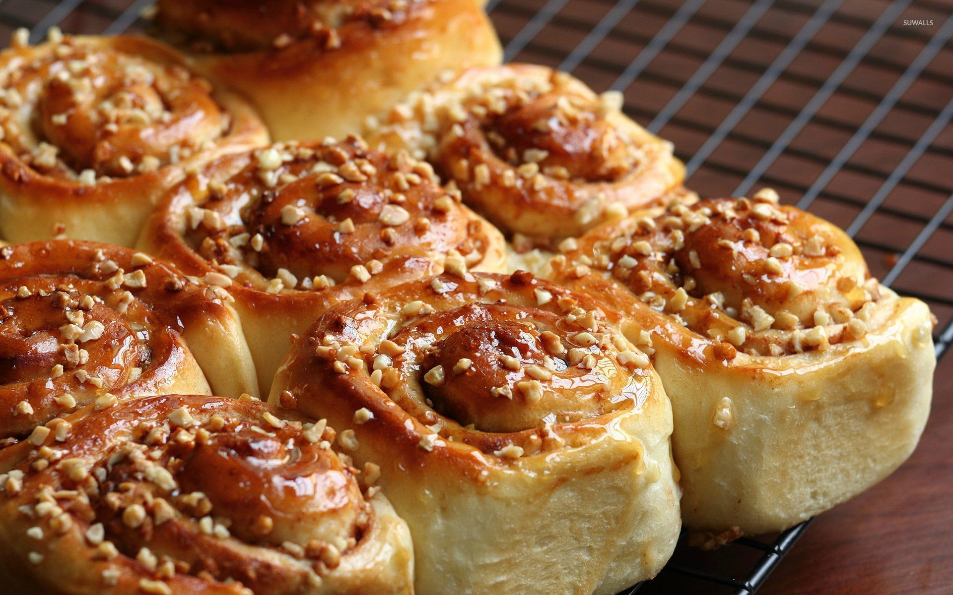Cinnamon rolls wallpaper photography wallpapers 27163 for Wallpaper roll