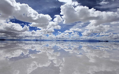 Cloud reflections in water wallpaper