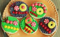Colorful cupcakes on the pancakes wallpaper 1920x1200 jpg