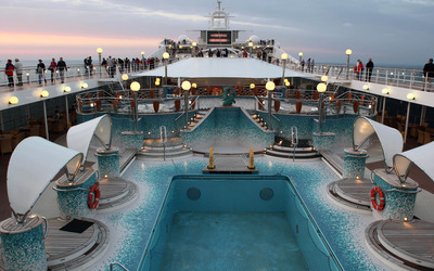 Cruise ship pool wallpaper