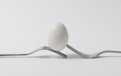 Egg on forks wallpaper