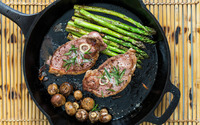 Fried meat and asparagus wallpaper 2880x1800 jpg