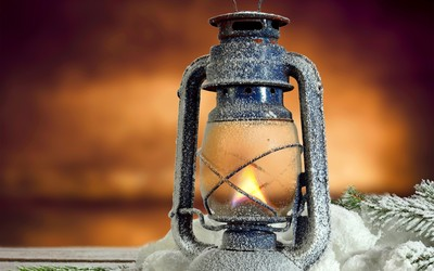 Frosty oil lamp wallpaper