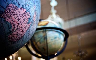 Globes wallpaper