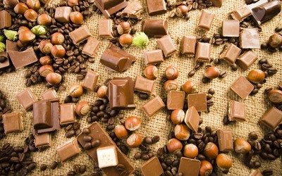 Hazelnuts,coffee  and chocolate wallpaper